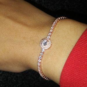Jewelry - Divine rose gold round cut diamond bracelet